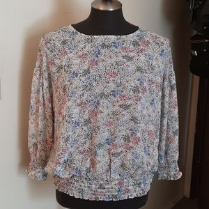 🎈2/$30-Summery-Shear floral blouse 👚